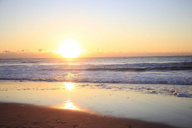 Sunrise Sea Beach Horizon Sun  - AidylArtisan / Pixabay